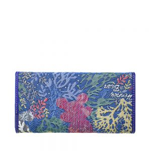 W062-Cali-Trifold-Wallet-Purse-Coral-Bear-Back