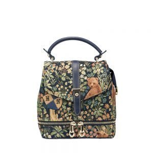 258-Backpack-WalkintheForest